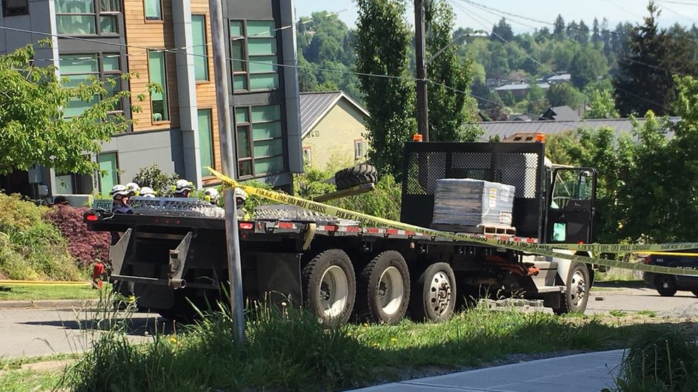 Man killed in Seattle forklift accident | KOMO