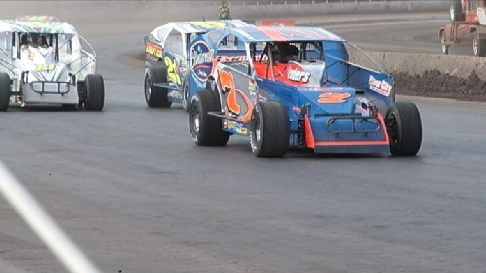 cuomo super dirt week moved to oswego speedway wstm. Black Bedroom Furniture Sets. Home Design Ideas