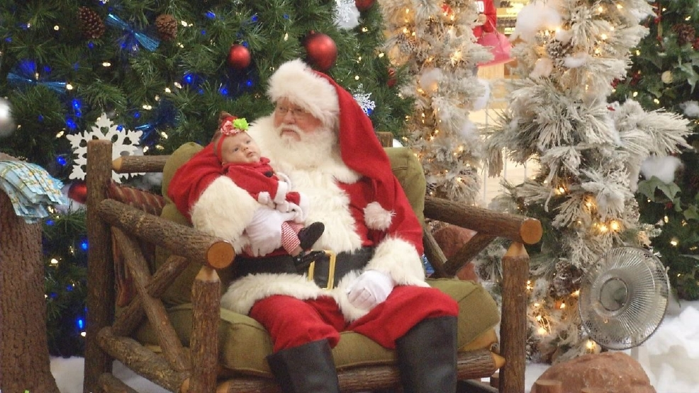 santa claus arrives at mall of abilene for holiday season - What Time Does The Mall Close On Christmas Eve