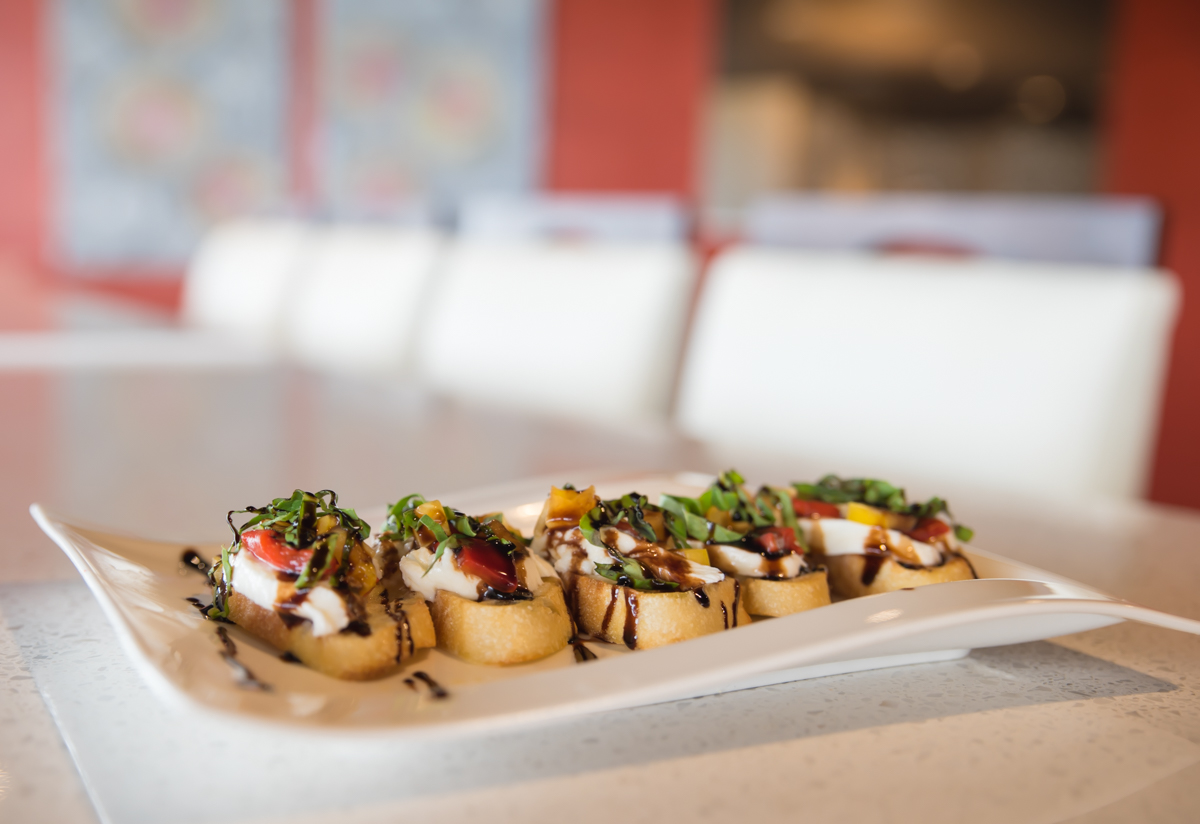 Bruschetta: yellow tomatoes, roasted red peppers, mozzarella, basil, balsamic glaze / Image: Sherry Lachelle Photography // Published: 8.22.17