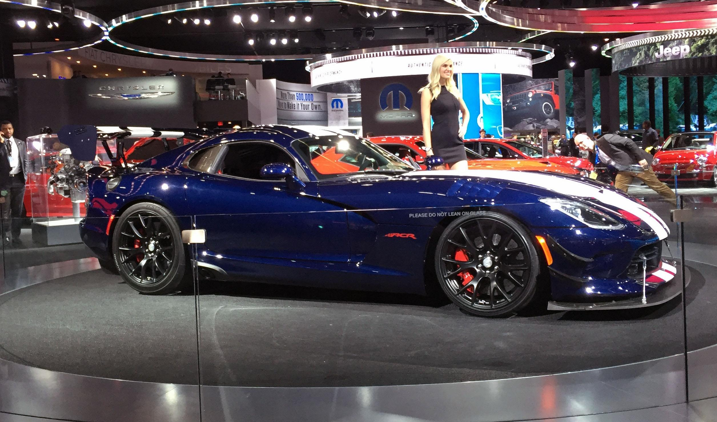 Dodge Viper (Photo by Jill Ciminillo)