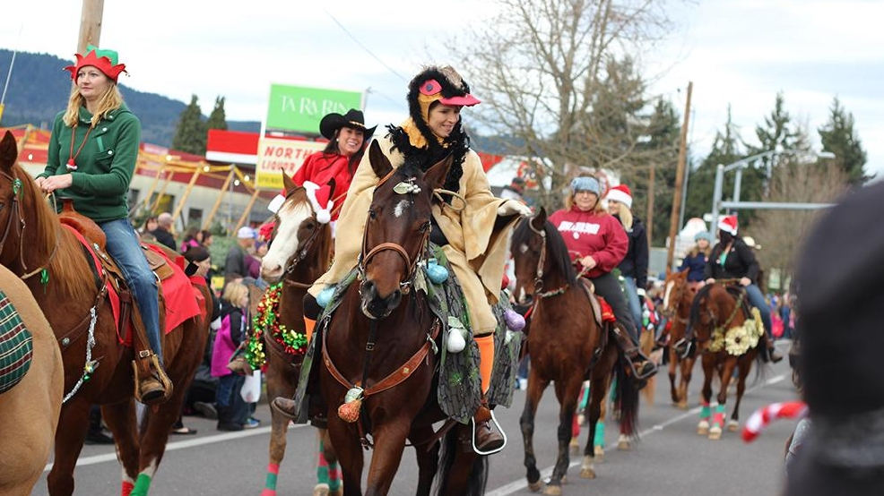 Santa Claus came to town with the Springfield Christmas Parade | KVAL