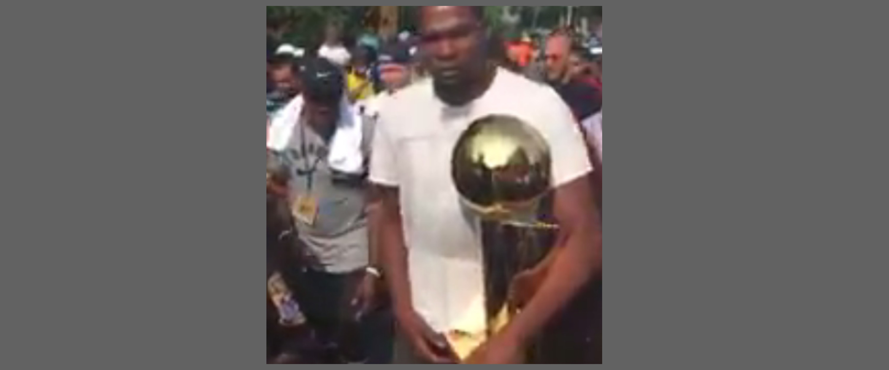 NBA superstar Kevin Durant arrives for victory parade in Seat Pleasant, Md. Thursday, Aug. 17, 2017 (John Gonzalez/ABC7)