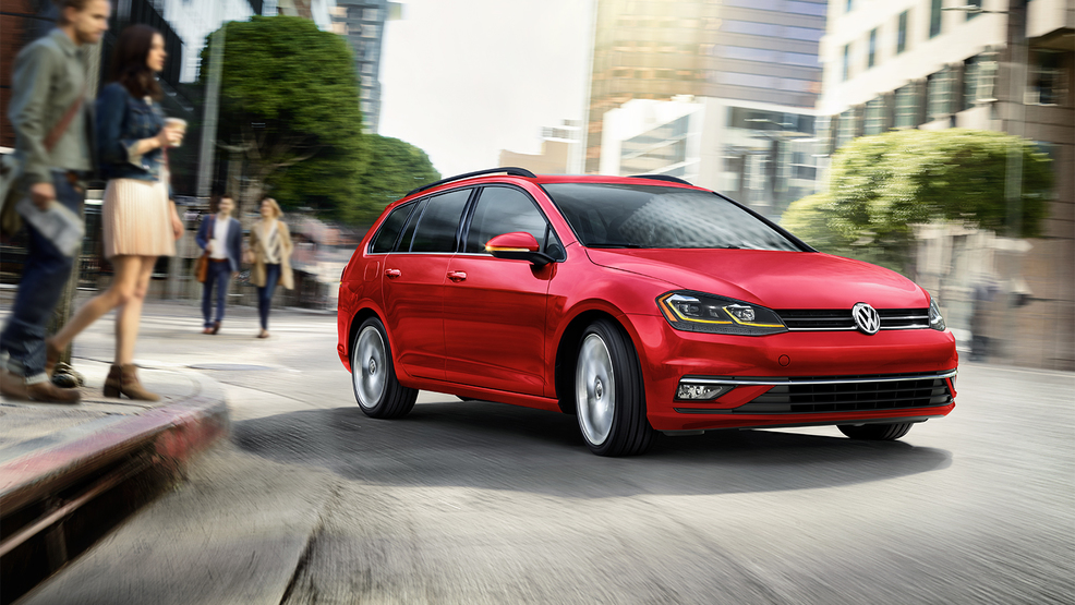 2019_Golf_SportWagen-Large-8776.jpg