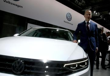 Volkswagen to invest $1.12B in battery production plant