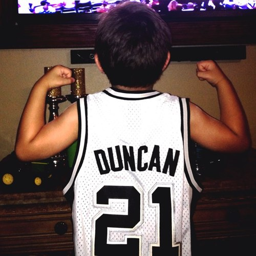 <a  href=&quot;http://share.valleycentral.com/Media/View/3596249&quot;>Spurs Fan</a>
