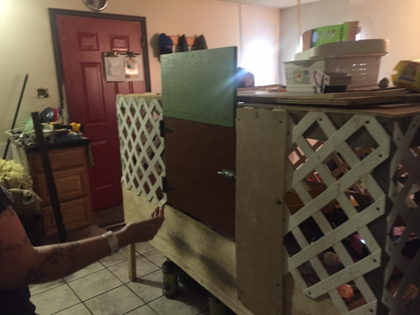 Dad leaves 1-day-old baby home alone with toddler locked in 'homemade' cage, police say