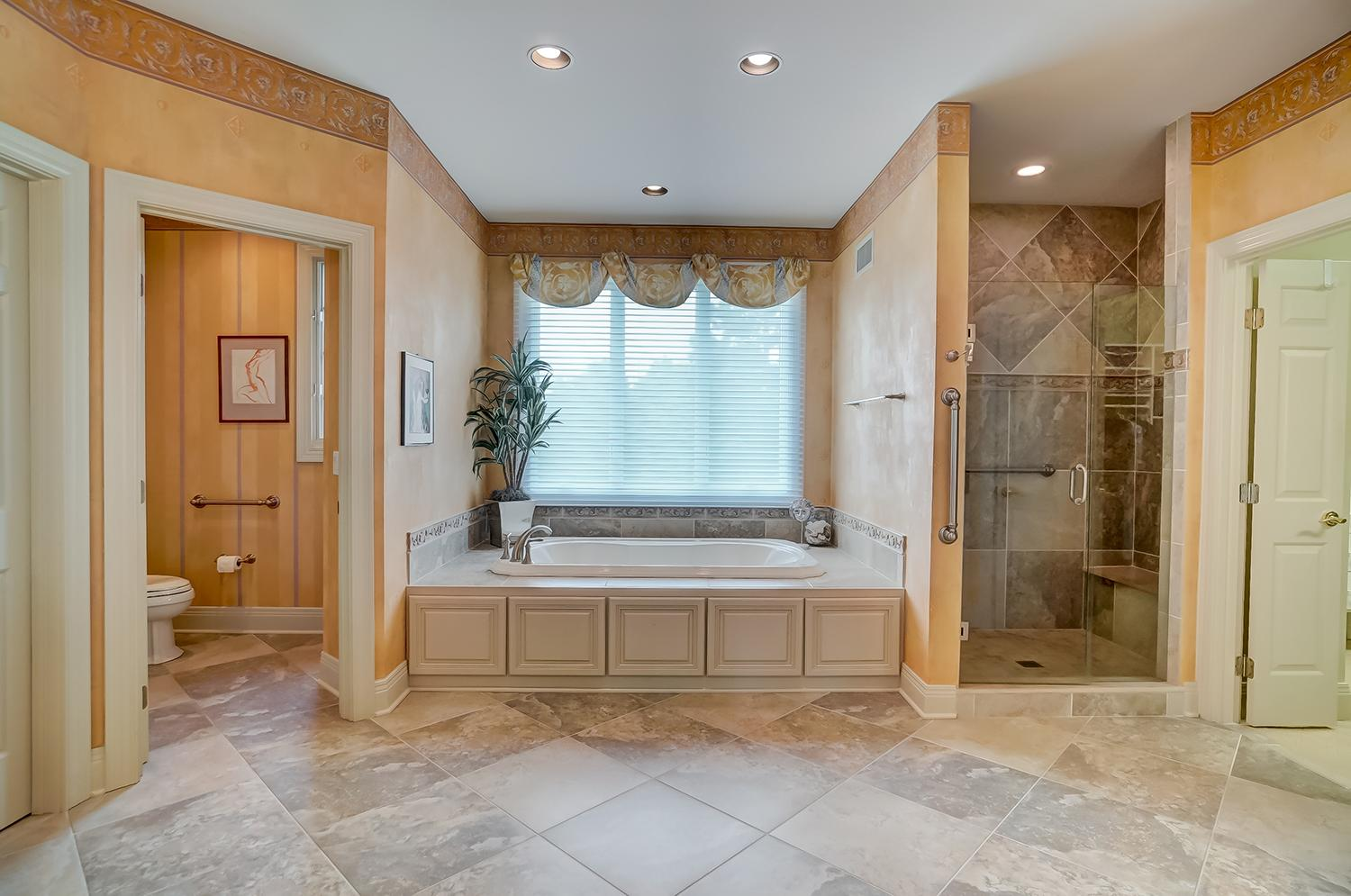 Master bathroom / Image: Wow Video Tours // Published: 6.8.18