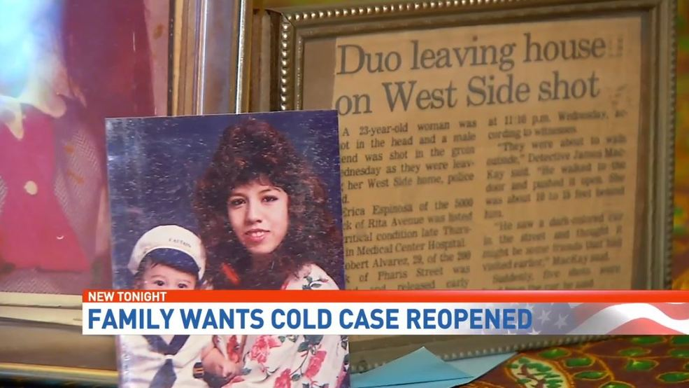 Family urges investigators to reopen murdered mother's 1992