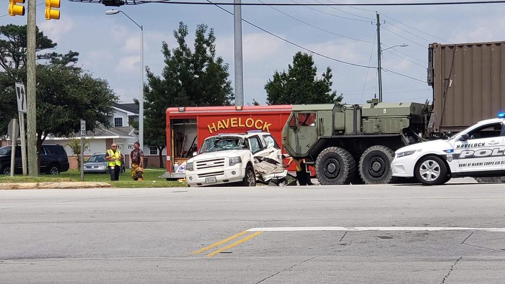 Vehicle accident in Havelock involves military truck, SUV | WCTI