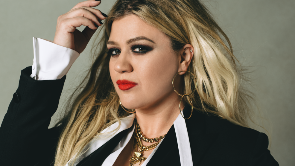 Kelly Clarkson Press Photo.png