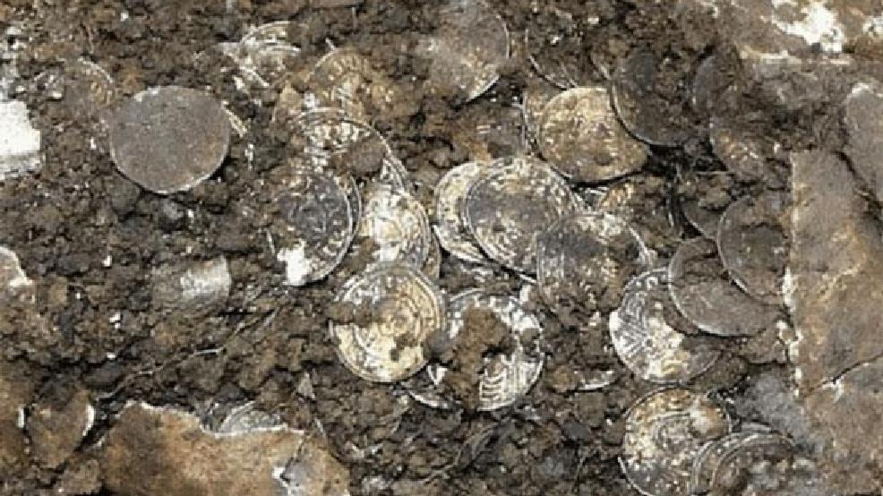 1 5 Million Silver Coin Hoard Found In England Komo