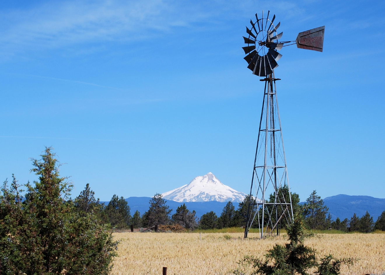 View of Mount Hood from Maupin (Karen Forrest/CC by 2.0)