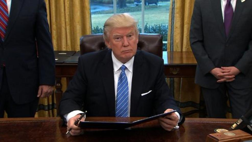president-trump-oval-office-1485228146772-jpg-5704126-ver1-0.jpg