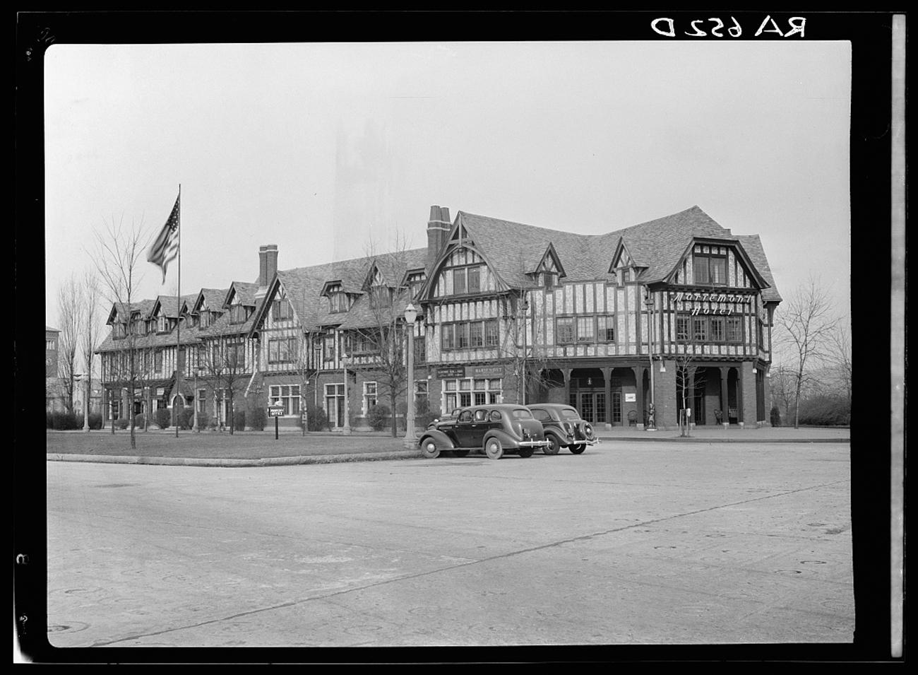 """Community commercial center which includes Mariemont Hotel of the Mariemont Housing Community outside Cincinnati, Ohio"" taken in December 1935 / Image: Carl Mydans for the U.S. Farm Security Administration/Office of War Information accessed via the Library of Congress // Published: 3.4.19"