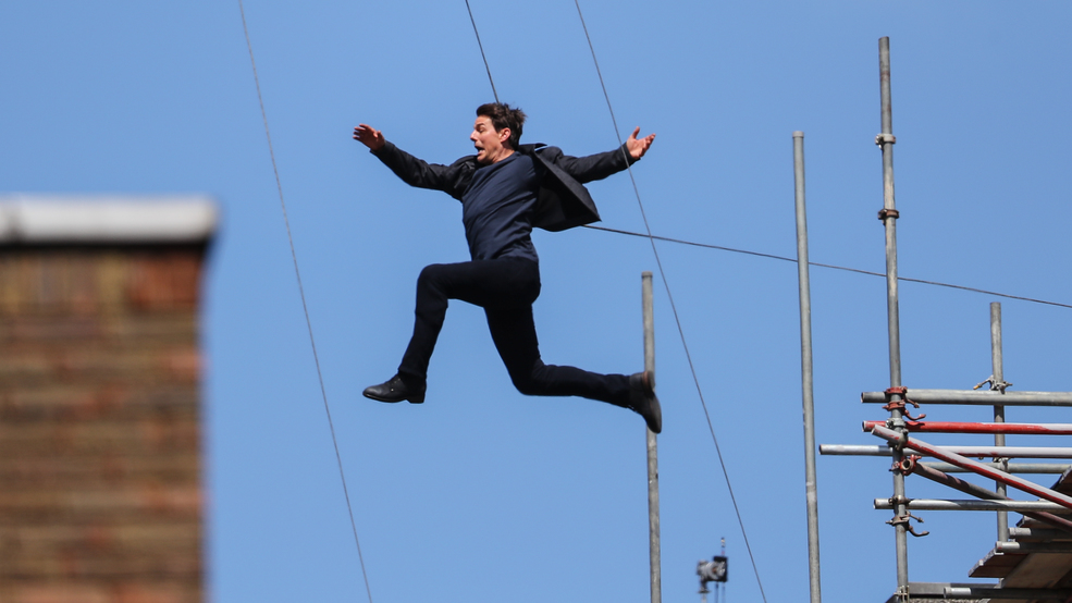 Tom Cruise hurt leaping between buildings for MI:6 stunt