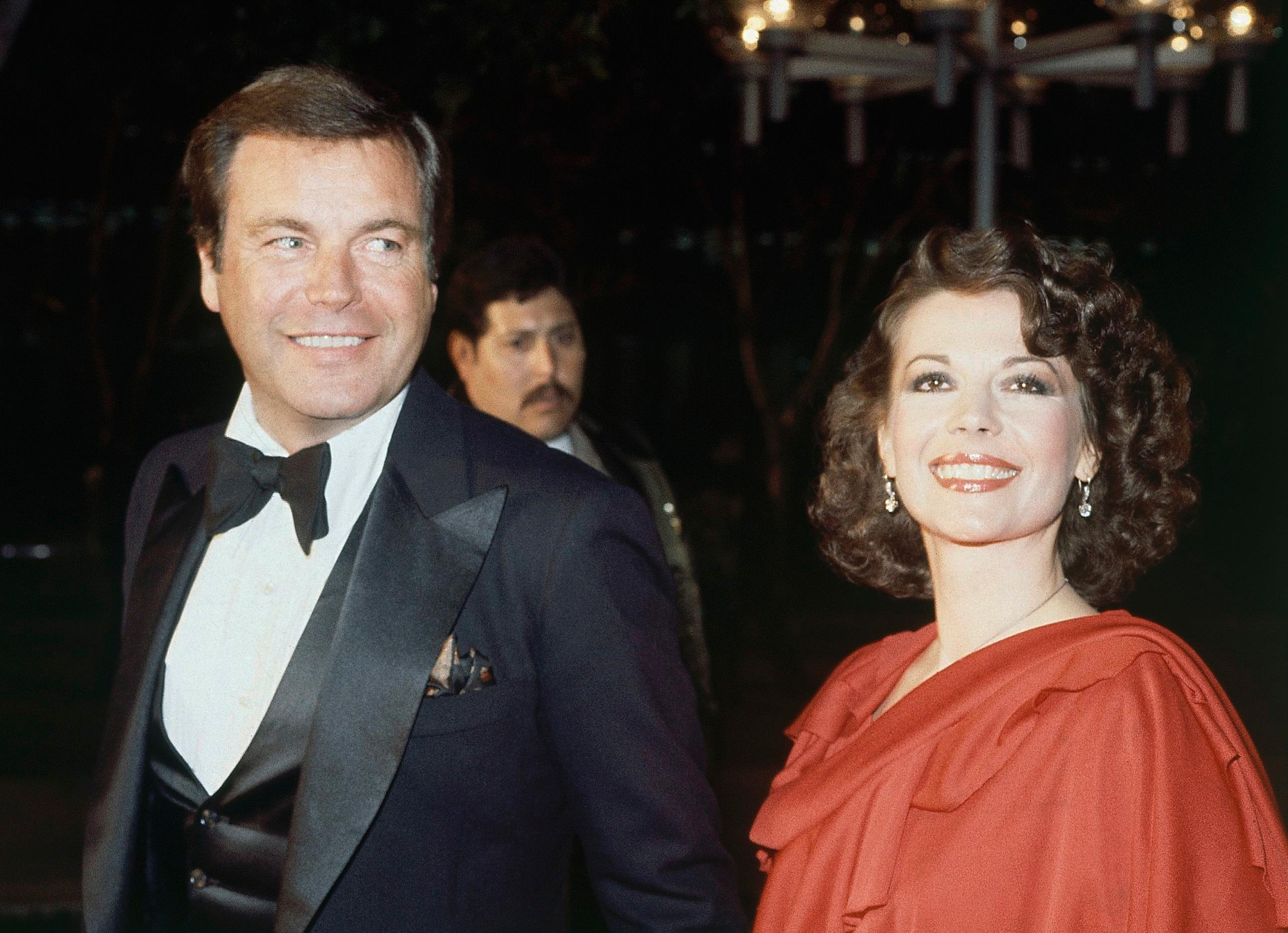 FILE - In this April 3, 1978 file photo, Robert Wagner and Natalie Wood arrive at the 50th Annual Academy Awards in Los Angeles. Detectives hope the latest round of renewed interest in the mysterious 1981 death of actress Natalie Wood will bring forward new witnesses, but this may otherwise be the end of the investigation, a Los Angeles County sheriff's official said Monday, Feb. 5, 2018. Wood was found floating in the ocean during a Thanksgiving weekend yachting trip to Catalina Island with her husband, actor Robert Wagner, actor Christopher Walken and the boat captain. Her death was initially classified as a drowning. (AP Photo, File)