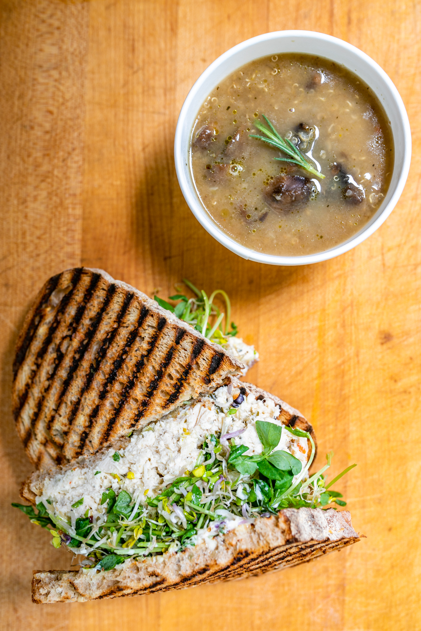 Mushroom quinoa soup and the Fabulous Kimchicken / Image: Amy Elisabeth Spasoff // Published: 9.29.18