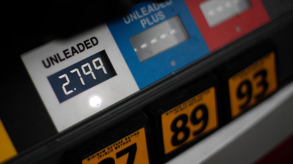 Average US price of gas drops 11 cents per gallon to $2.73