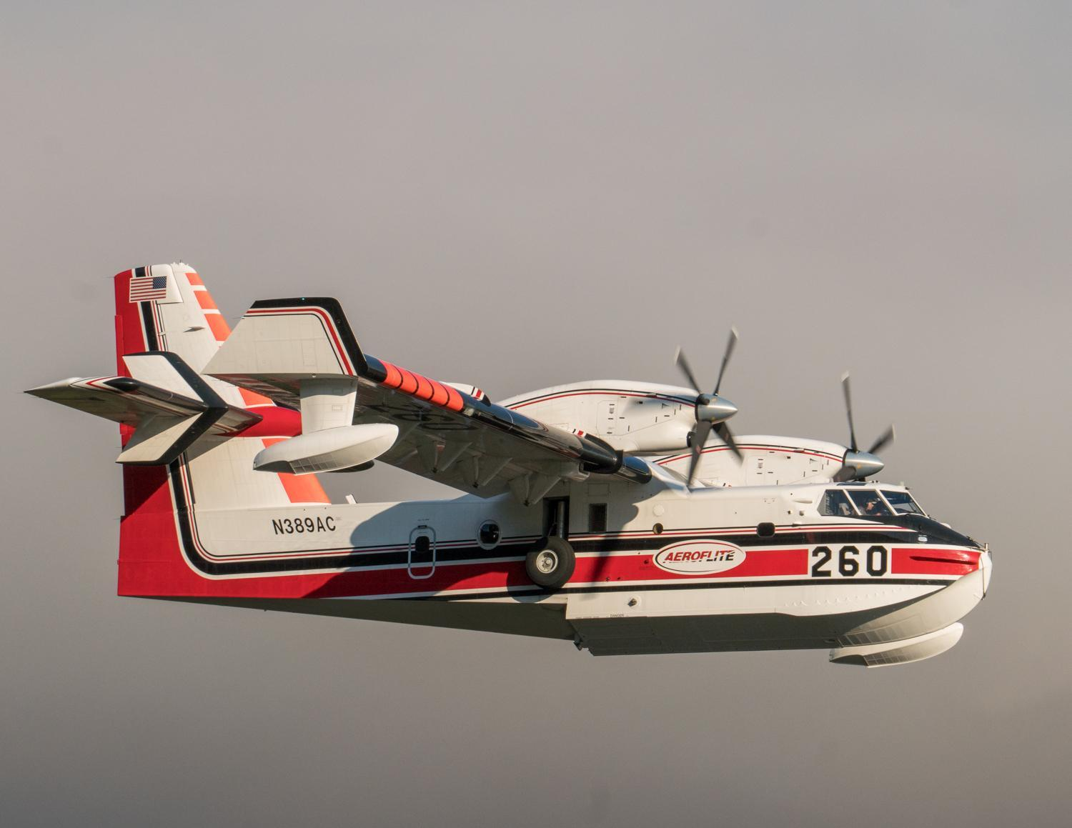 One of four scooper planes that flew on the Jones Fire on August 19, 2017. (InciWeb)