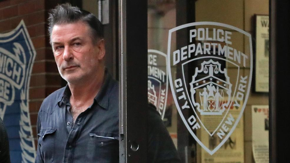 Alec Baldwin Charged With Assault In Alleged Parking Dispute Katv