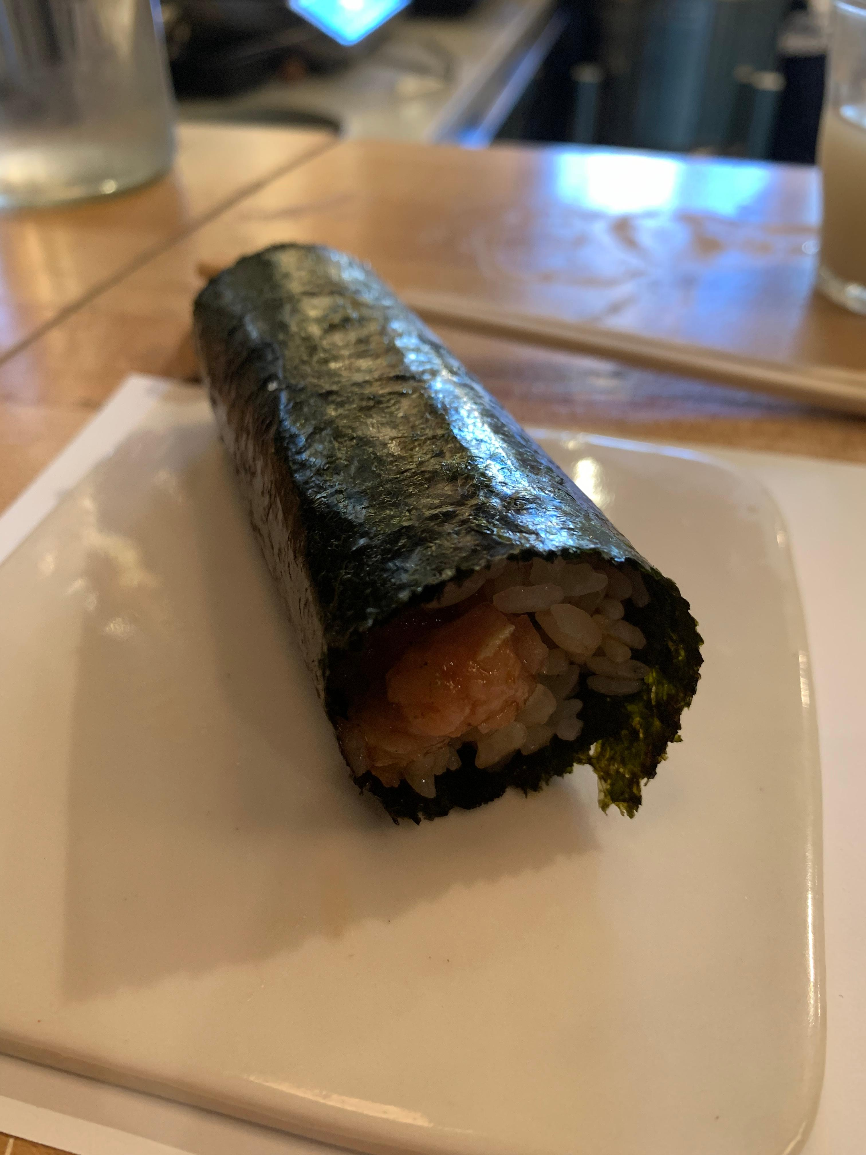 Tuna toploin hand roll at By Tae. (Image: Frank Guanco)