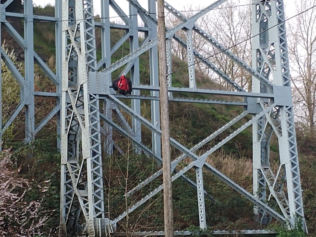 Photo of the suspicious bags hanging from the Lewis and Clark Bridge courtesy Alex Miller