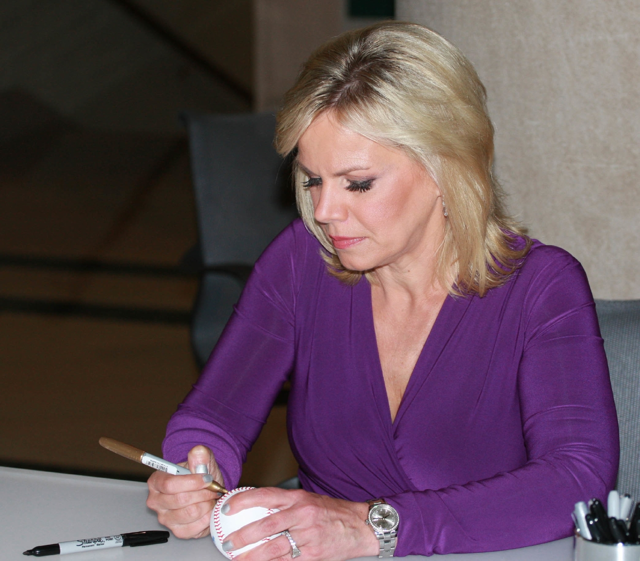 Fox News anchor Gretchen Carlson signs copies of her book 'Getting Real' at the Free Library of Philadelphia                                    Featuring: Gretchen Carlson                  Where: Philadelphia, United States                  When: 23 Jun 2015                  Credit: W Wade / WENN