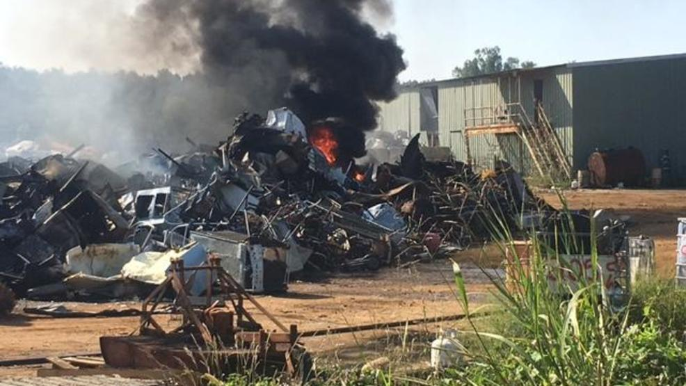 Large fire at car crushing yard in Marion County   WPDE