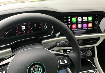 Apple CarPlay upgraded to add Google Maps, Waze with iOS 12