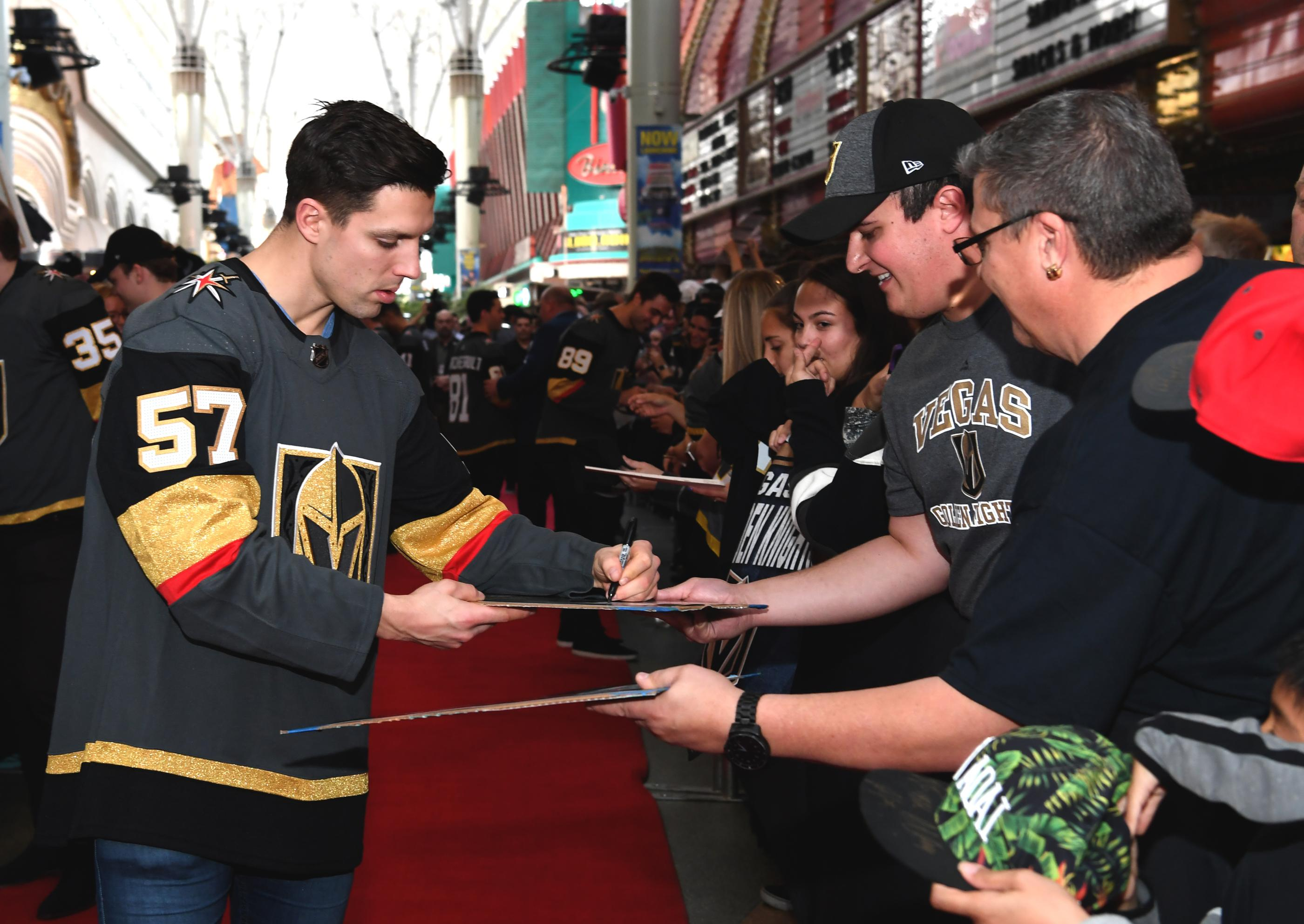 The Golden Knights host a Fan Fest with the D Las Vegas and Fremont Street Experience. Las Vegas Golden Knights player David Perron autographs his way down the red carpet at Fremont Street Experience. Sunday, January 14, 2017. CREDIT: Glenn Pinkerton/Las Vegas News Bureau