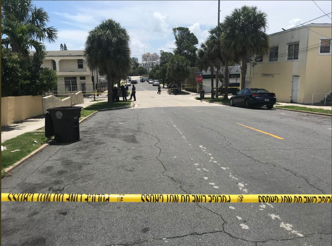 Shooting investigation in  West Palm Beach. (WPEC)