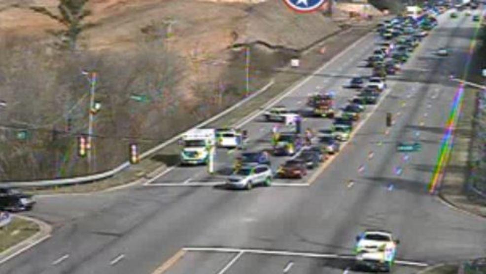 Injury crash backs up traffic on Highway 153 Saturday morning | WTVC