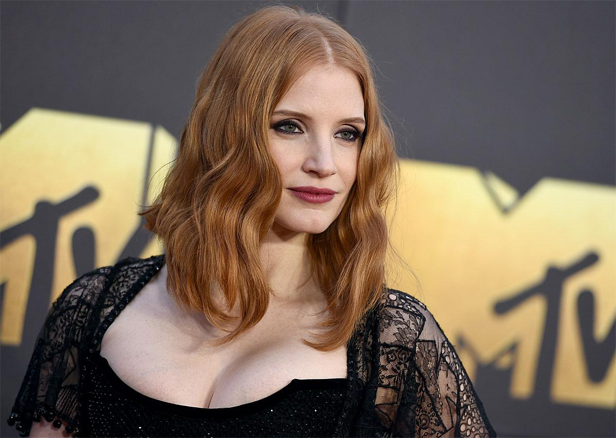 Jessica Chastain arrives at the MTV Movie Awards at Warner Bros. Studios on Saturday, April 9, 2016, in Burbank, Calif. (Photo by Jordan Strauss/Invision/AP)
