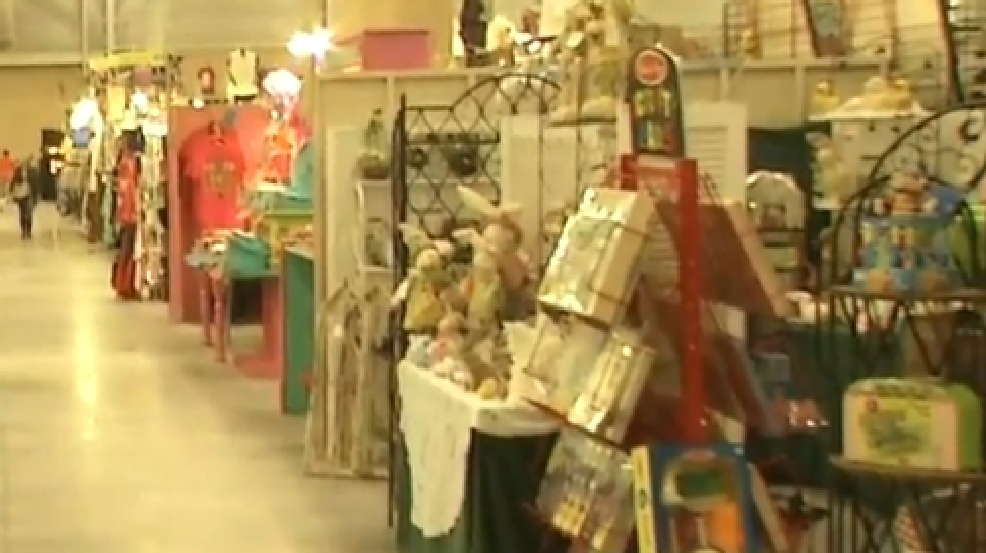 An affair of the heart craft show is underway kokh for Vendors wanted for craft shows 2017