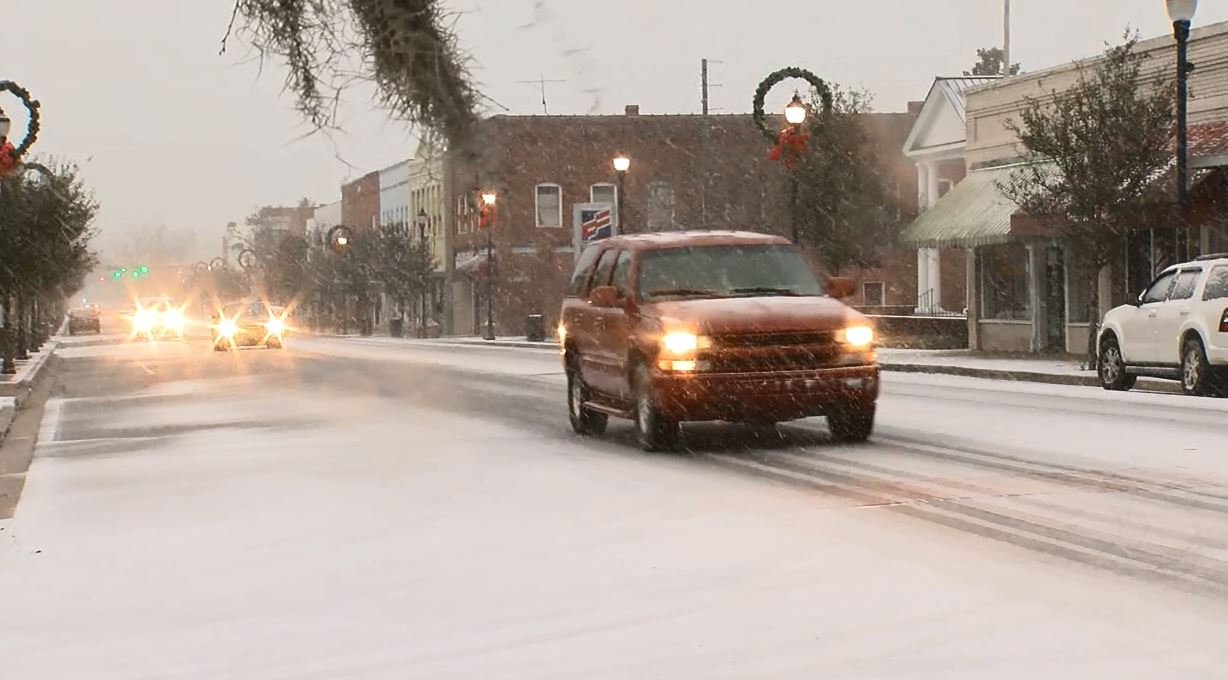 Snow in downtown Marion (WPDE)<p></p>
