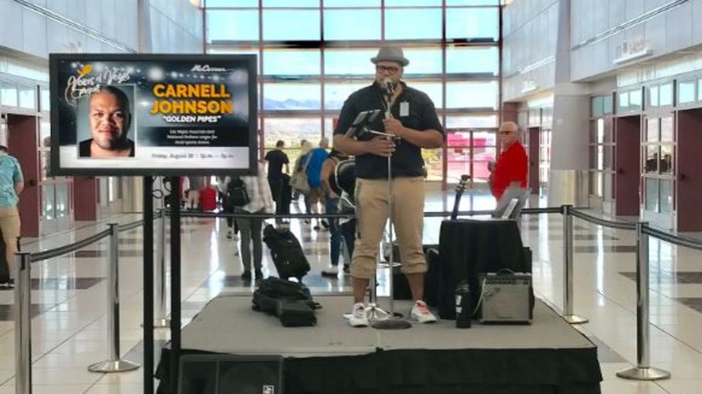 Anthem singer for Golden Knights gives free concert at McCarran Airport
