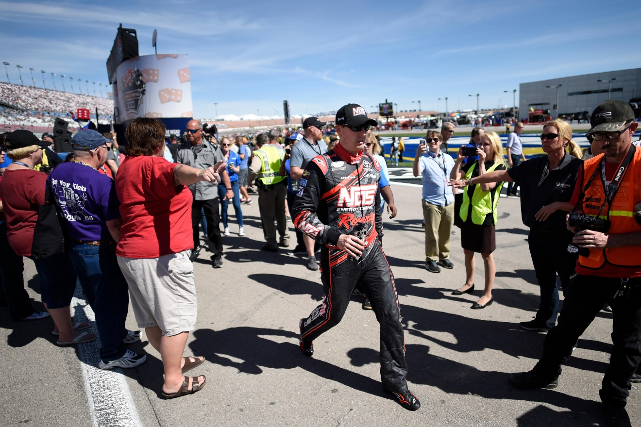 Kyle Busch heads to his car after being introduced before the NASCAR Xfinity Series Boyd Gaming 300 Saturday, March 11, 2017, at the Las Vegas Motor Speedway. (Sam Morris/Las Vegas News Bureau)