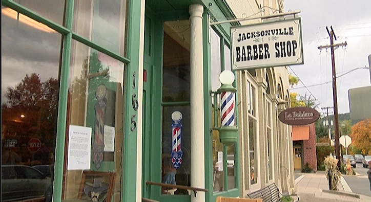 Jacksonville Barbershop, a store that may soon close after being open for 148 years. (KTVL/Alexander Mesadieu)<p></p>