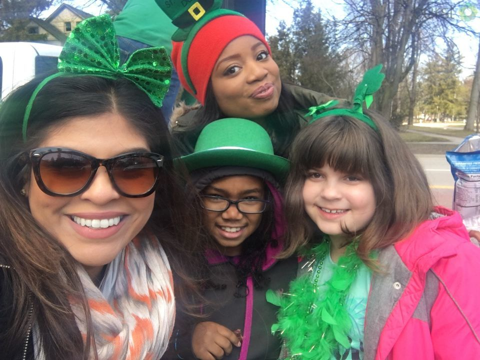 Bay City's Center Avenue awash in green for annual parade (Credit:  Kristen A.)