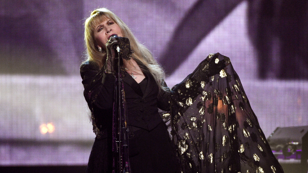 On edge of 72, Stevie Nicks just wants to sing a song live