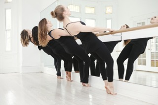 B.fit fosters a strong community as the first barre studio in D.C. (Image: Courtesy B.fit)