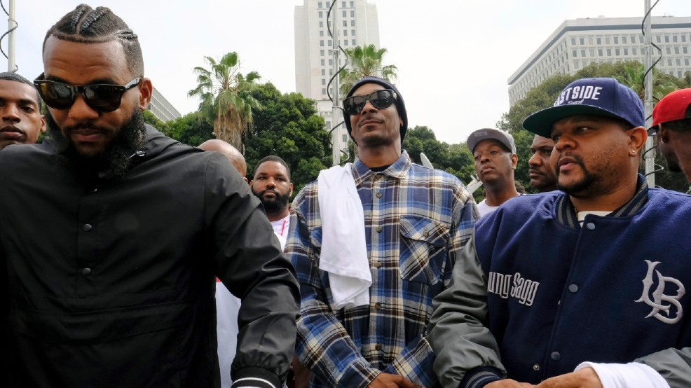 Rappers The Game, Snoop Dogg organize LA gang summit