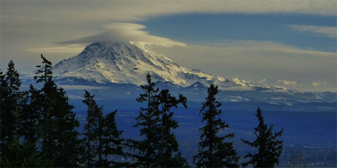 Mt. Rainier Lenticular   (Photo: YouNews contributor: troxa41622511086)