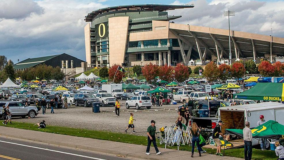 Eugene may make 6-hour tailgate before football games at Autzen Stadium permanent