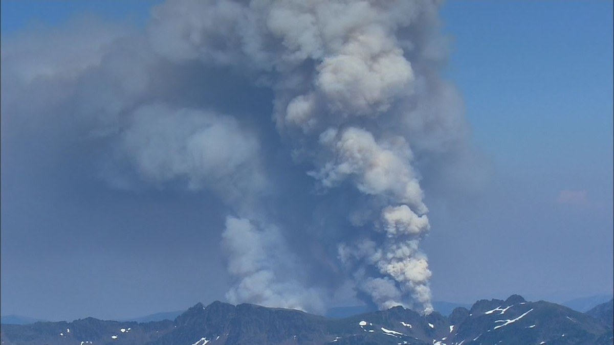 Video from Air 4 shows a smoke plume rising from the Chiwaukum Fire Complex on July 30, 2014.