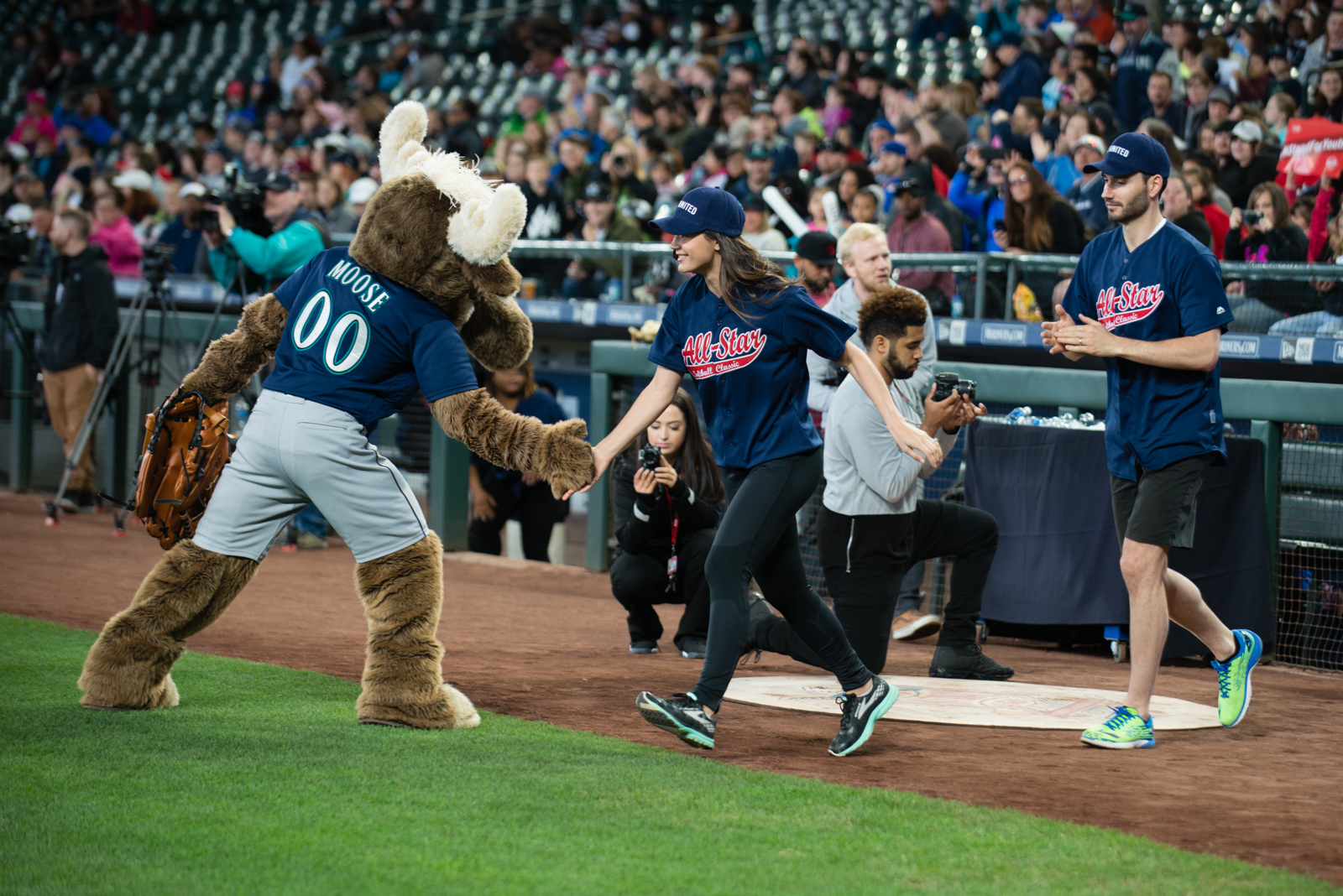 The stars flocked out to Safeco Field this afternoon to bat up against youth homelessness. Put on by United Way, everyone from Macklemore and Ben Gibbard to Jay Buhner and KOMO's very own Mary Nam were in attendance. Click through for photos from the game. (Image: Chona Kasinger/ Seattle Refined)