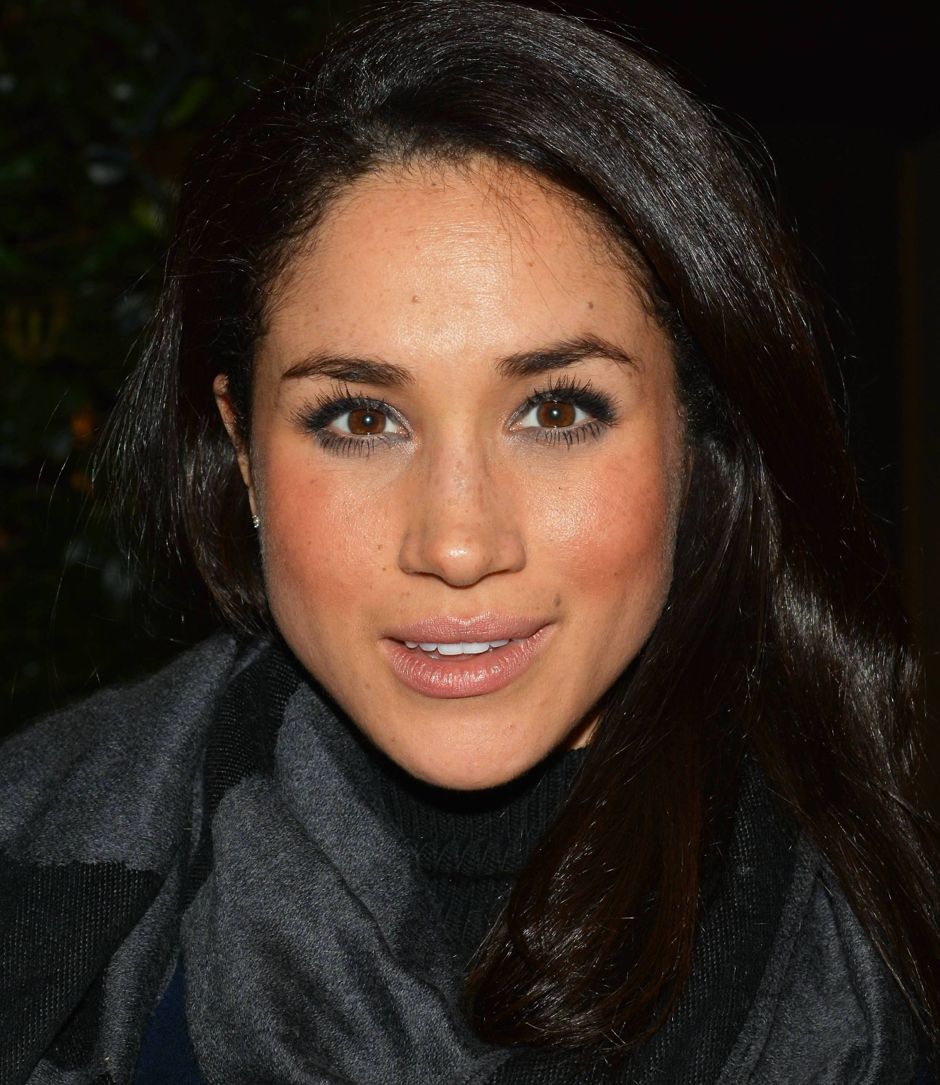 Actress Meghan Markle, who plays Rachel Zane in the hit USA legal drama 'Suits', returns to the Westbury Hotel with The Bram Stoker Medal For Entertainment which she received from the Trinity College Philosophical Society...  Featuring: Meghan Markle Where: Dublin, Ireland When: 14 Nov 2013 Credit: WENN.com