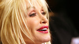 'TN will always love you': Tennessee Governor signs resolution honoring Dolly Parton