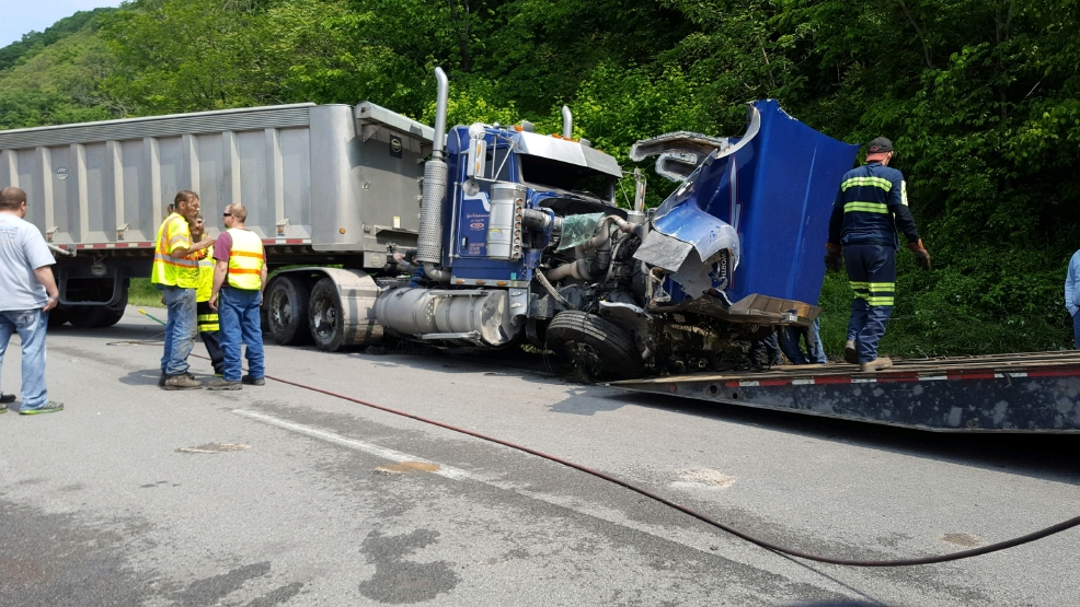 Virginia Traffic Accident Reports >> Route 60 shut down in Belle following accident | WCHS